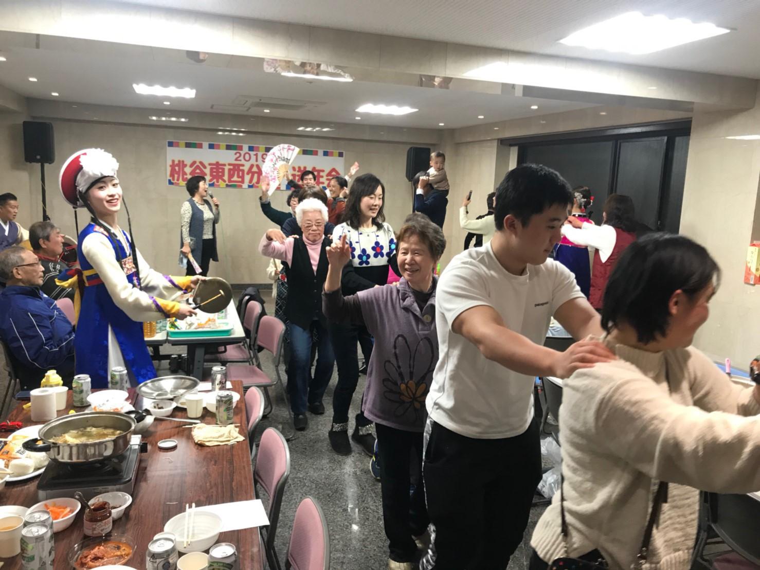 12.22桃谷東西分会送年会_191224_0002